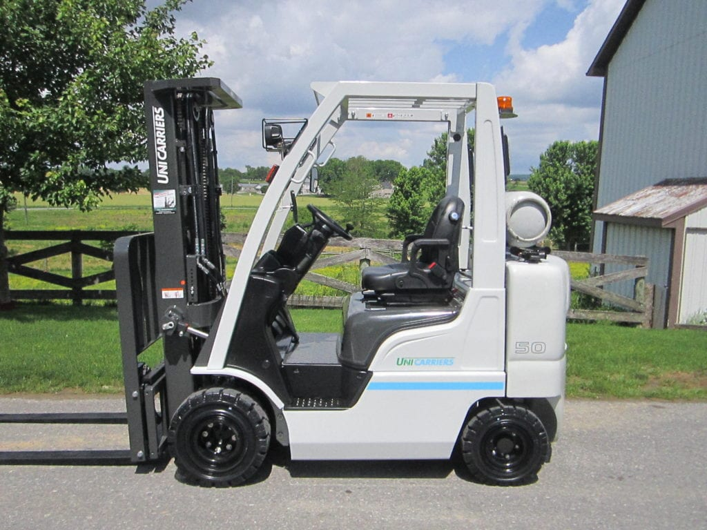 UniCarriers AP1F2 forklift